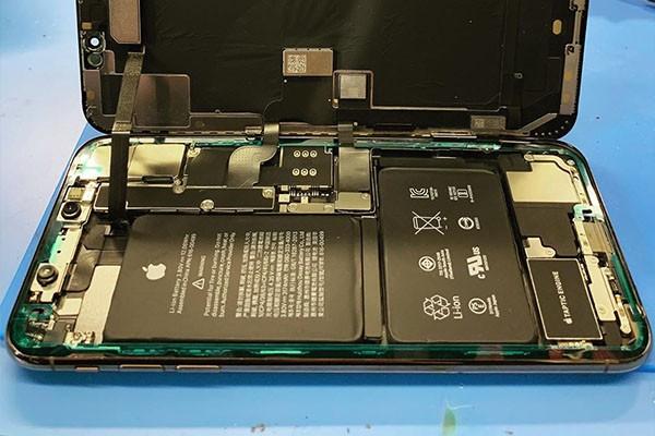 Переклейка стекла iPhone в Москве 👍