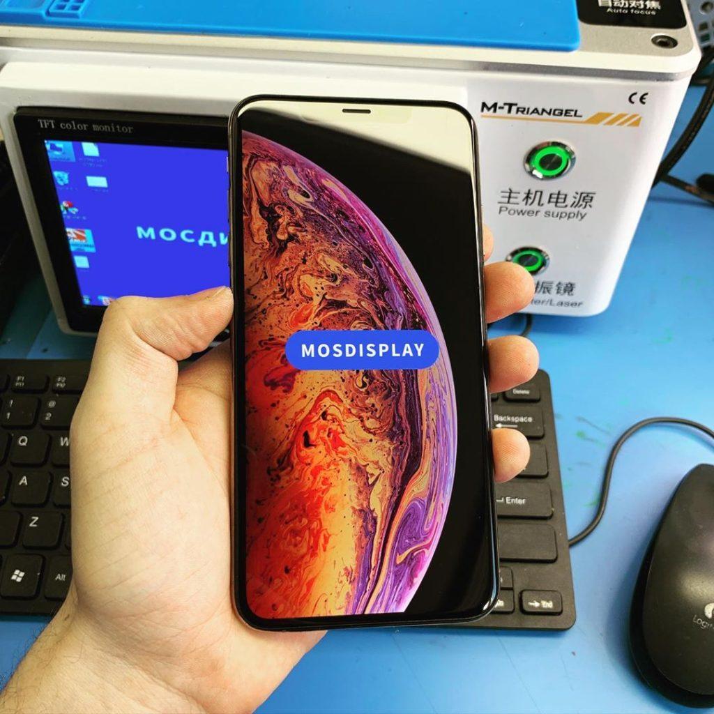 iPhone XS с замененным стеклом