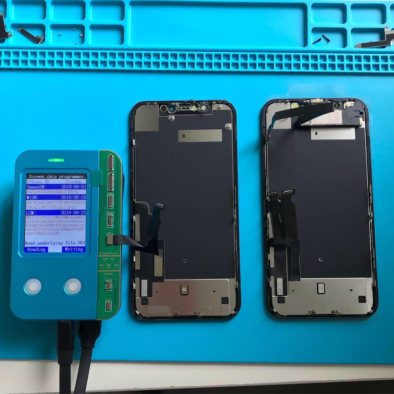 Программирование дисплея iPhone XR при замене дисплея