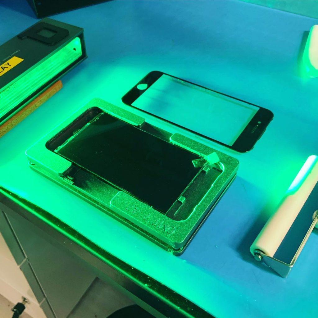 Замена стекла iPhone 7 plus на оригинал в Москве 👍
