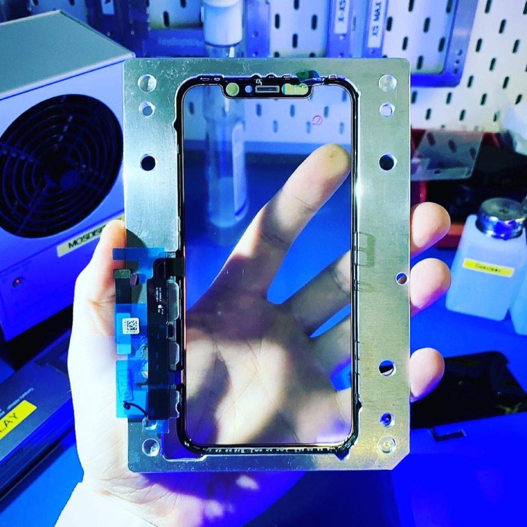 Тачскрин iPhone 11