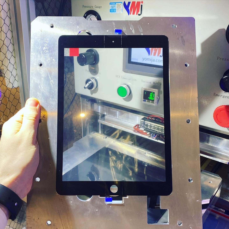 Замена заднего стекла iPhone XR лазером в Москве 👍