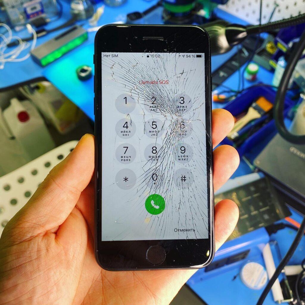 Как определить что у iPhone разбито только стекло?