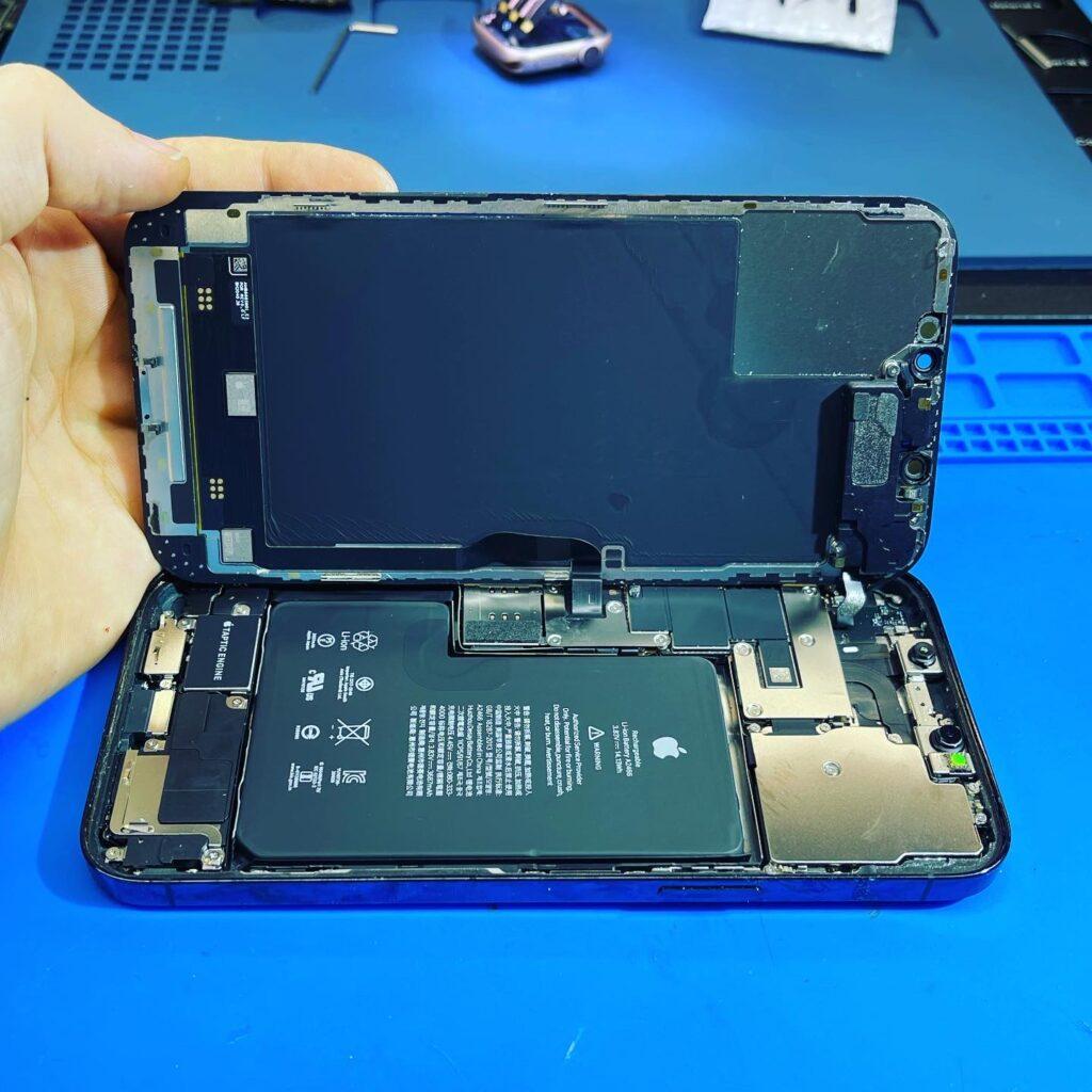 Замена стекла iPhone 12 mini на оригинал в Москве 👍